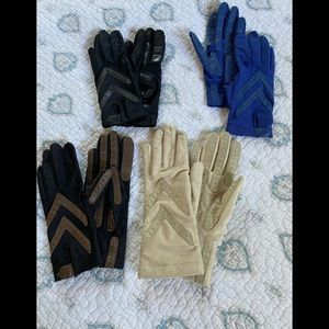Bundle of Isotoner gloves